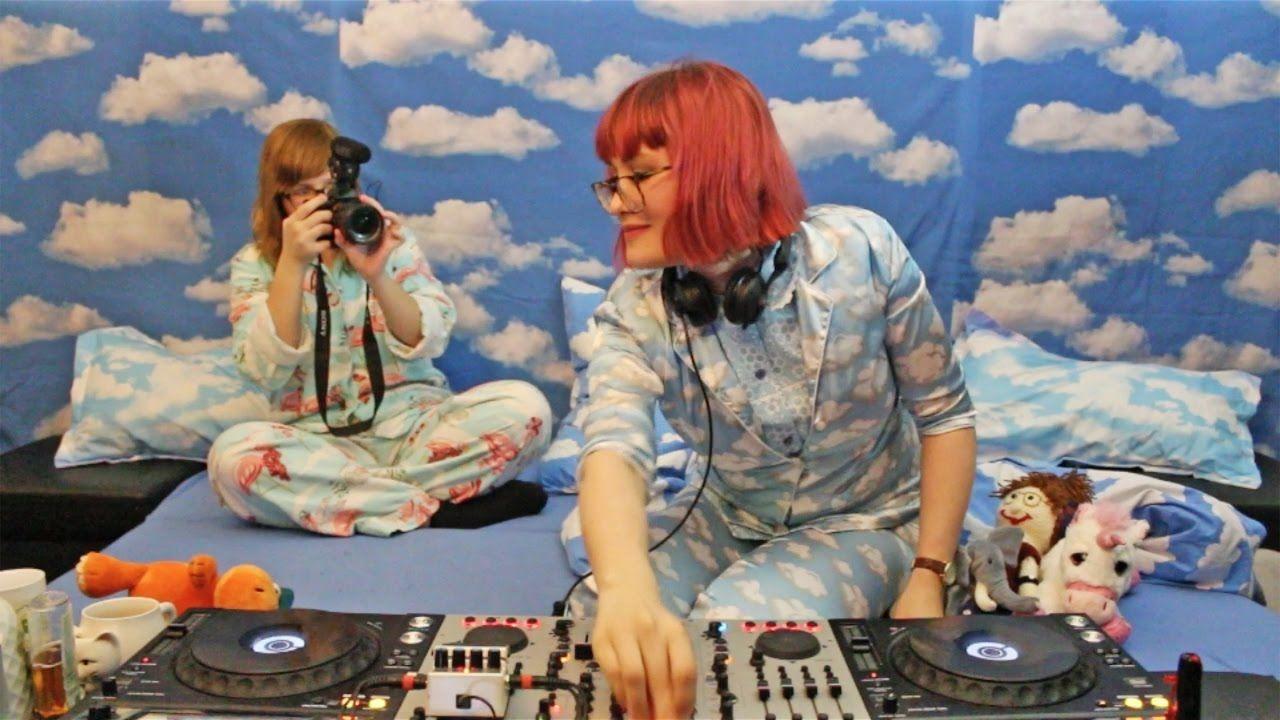 Bebetta In Bed #8 with Das Mädchen mit der Kamera