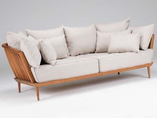 ae31bd2d4611c8 sofá madeira e almofadas   life   Sofá de madeira, Sofa para varanda ...