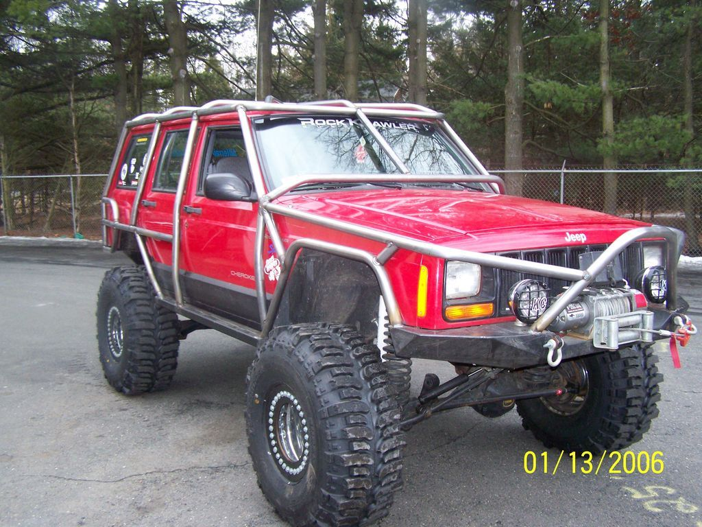 Jeep Cherokee Xj With Exo Cage Jeep Cherokee Jeep Jeep Images