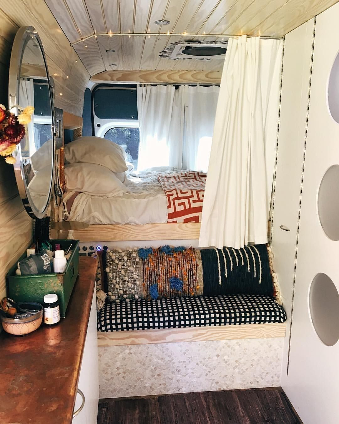 The best 15+ layout designs for campers Camper  / ... If your van is big enough ... The best 15+ la