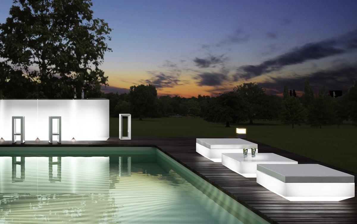 Vondom Hocker Mit Integrierter Beleuchtung Für Den Außenbereich