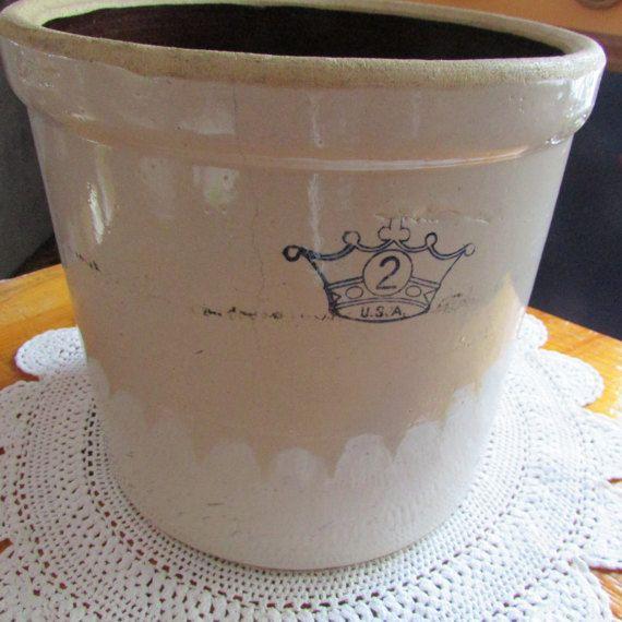 VINTAGE Pot en grès émaillé avec couronne bleu roi par TICTAC1212
