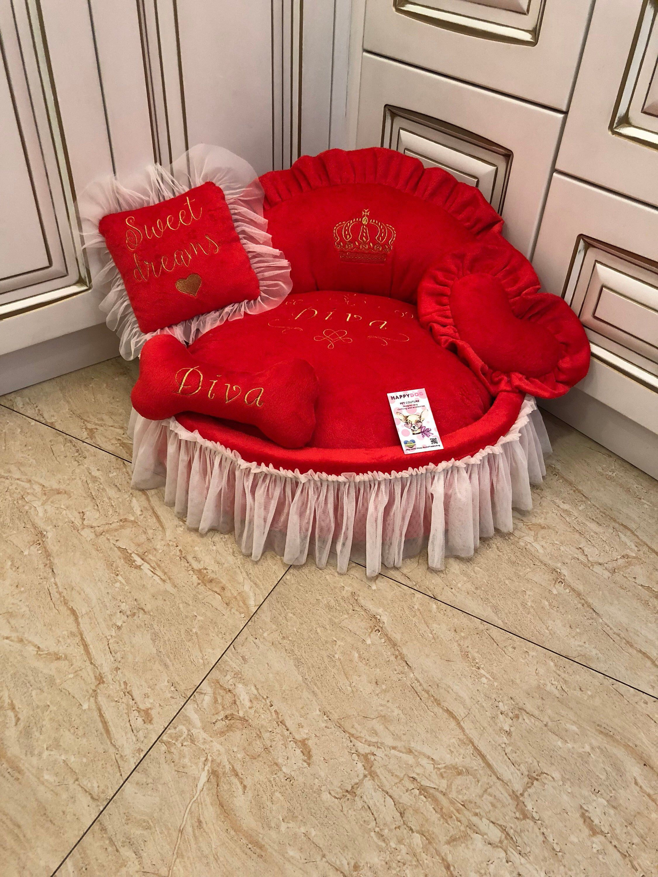 Red princess bed with golden crown embroidery Valentine