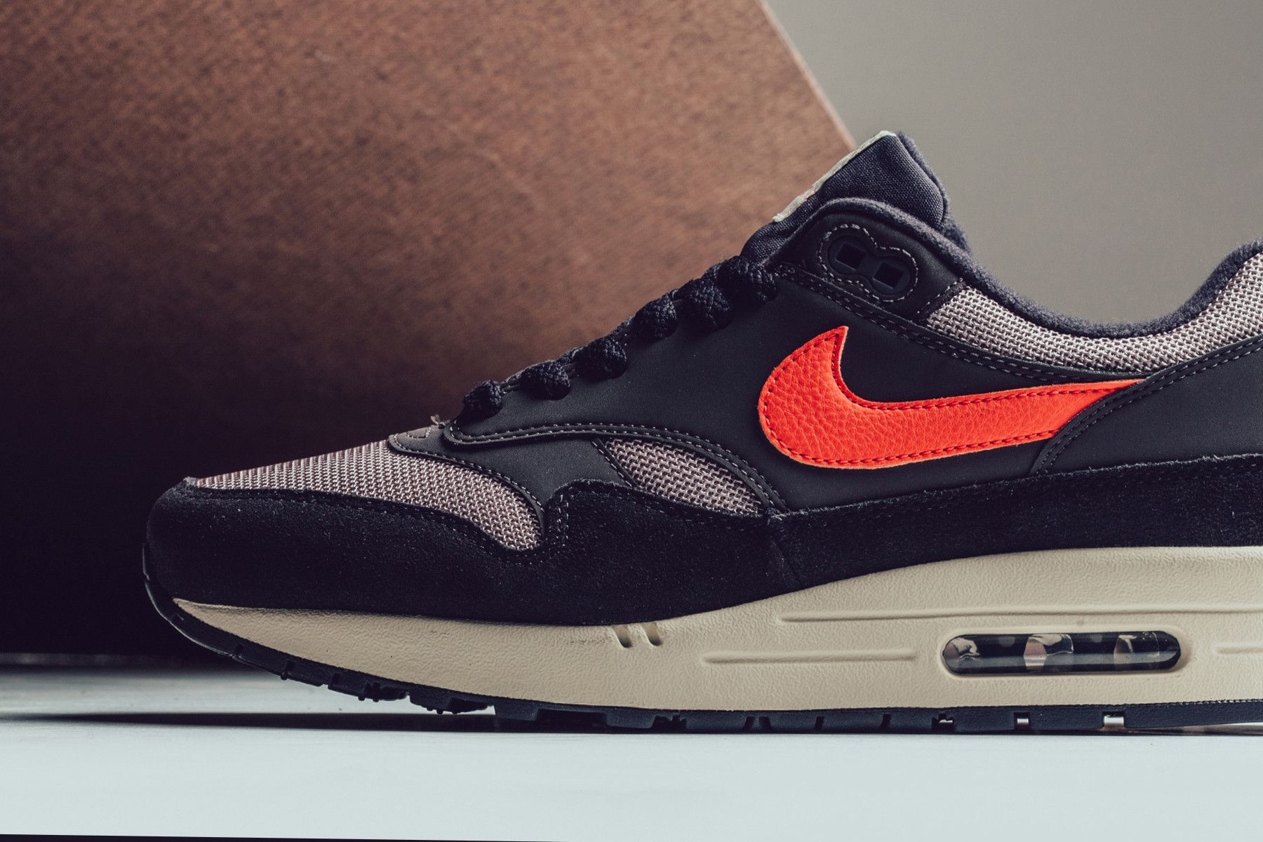 """Nike Combines """"Oil Grey"""" & """"Wild Mango"""" on the Air Max 1 