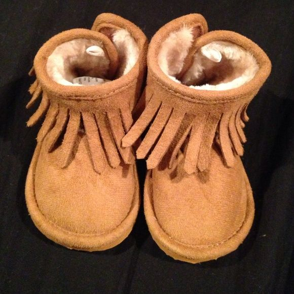H and M moccasin boots 2.5-3.5 Toddlers