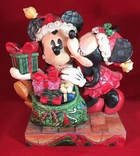 Disney Traditions By Jim Shore A Christmas Kiss Showcase