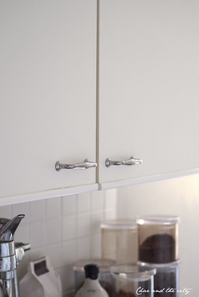The kitchen - after pics: http://divaaniblogit.fi/charandthecity/2014/10/15/yksioni-keittio-kuvat-pintaremontin-jalkeen/