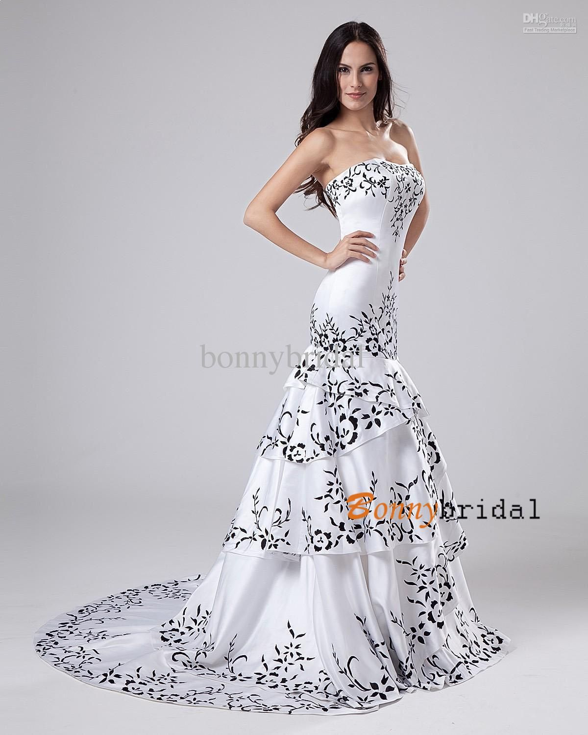 Black and white mermaid wedding dress for Black mermaid wedding dresses