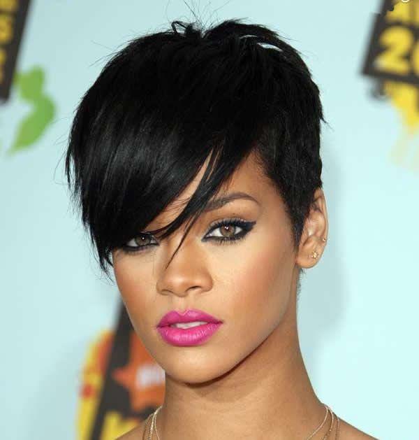 Short Hairstyles For Black Women Pics Rihanna Hairstyles Rihanna Short Hair Hair Looks