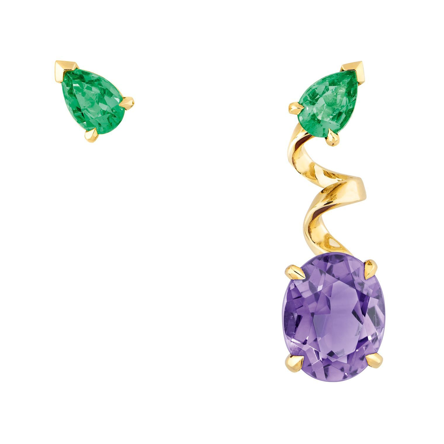 A striking colour combination made even more daring by the mismatched design, these Diorama Précieuse earrings by @dior are the cool way to wear the asymmetric trend. Two pear-cut #emeralds are held in place by bold yellow gold claws, with one #earring spiralling downwards in a twirl of gold to meet an oval-cut purple amethyst. Diorama Précieuse celebrates the modern beauty of asymmetry, with the gold designed to resemble an ornate ribbon - a nod to the couture creations of Christian Dior.