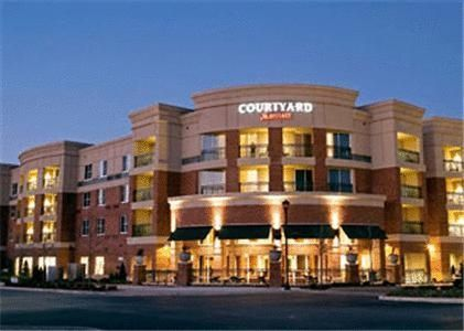 The Courtyard Franklin Cool Springs Is Convenient To Nashville And Offers Complimentary Business Services Free Wi Fi Modern Accommodations