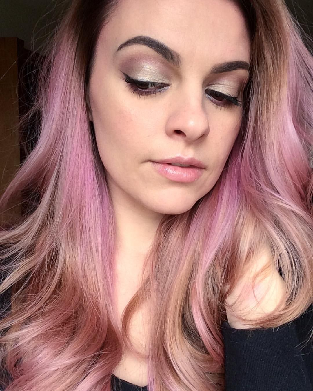"""36 Likes, 3 Comments - Jamie Waylein (@madeyewblush) on Instagram: """"When I'm in a pink mood!  . . . •Sassy and Infatuated mineral pigments •Palette 1 (Sincere &…"""""""