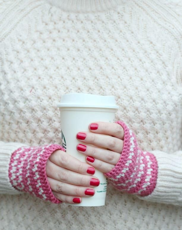 Super Sweet Crocheted Hand Warmers | Mitones y Tejido