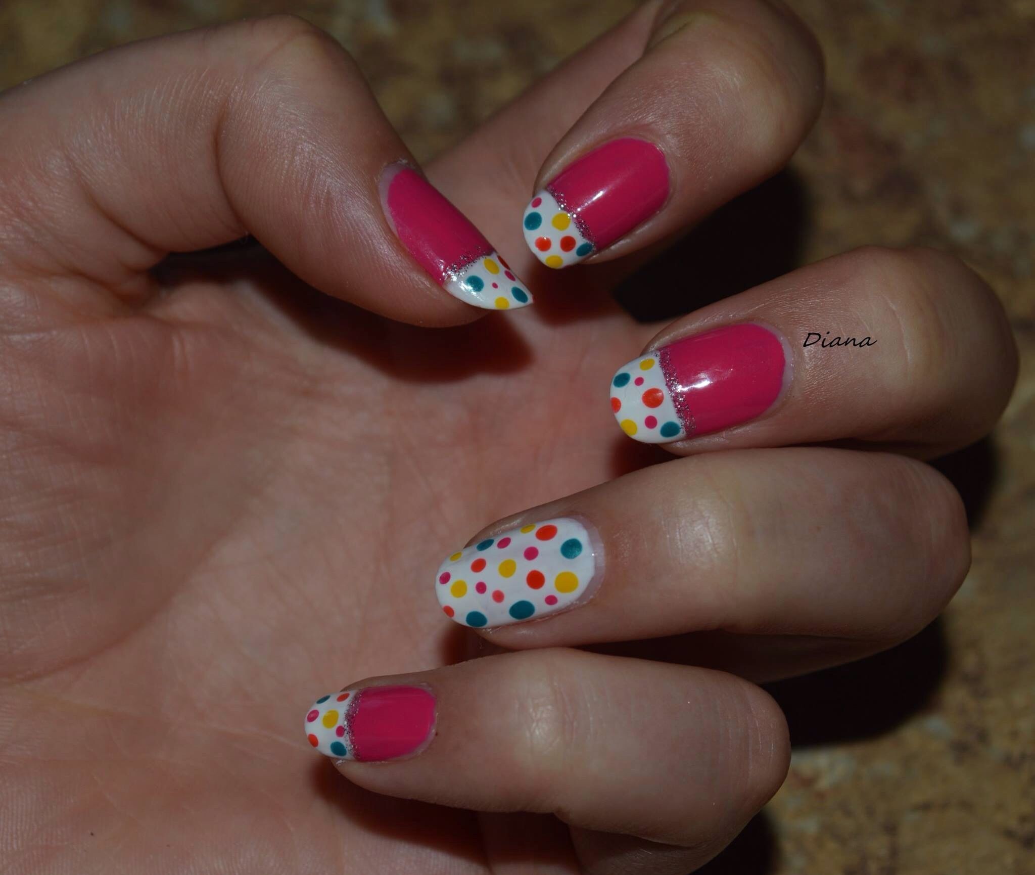 Dots and pink nail design ! Cute spring manicure