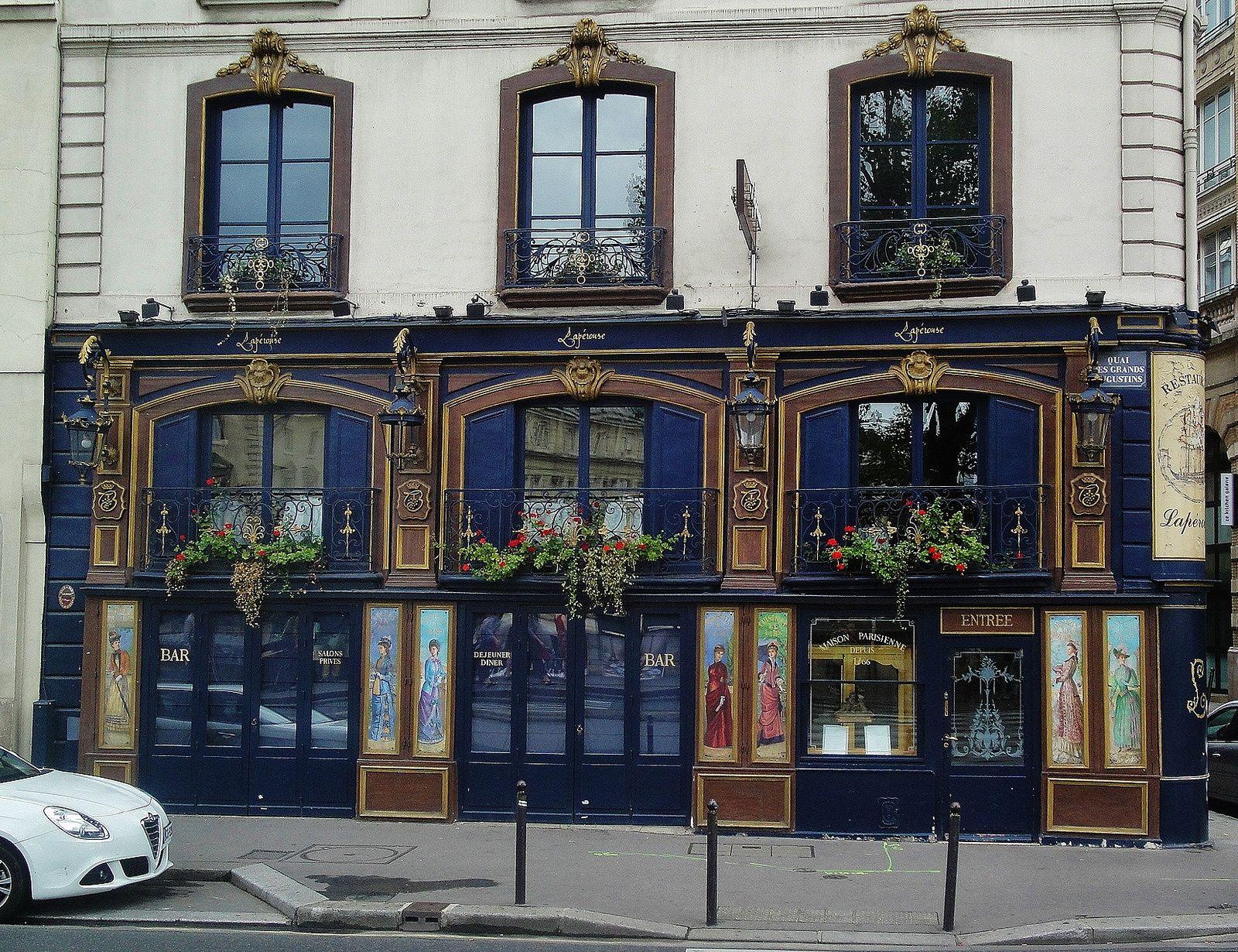 Facade of the Lapérouse historic restaurant, Paris 6th ✯ ωнιмѕу ѕαη∂у