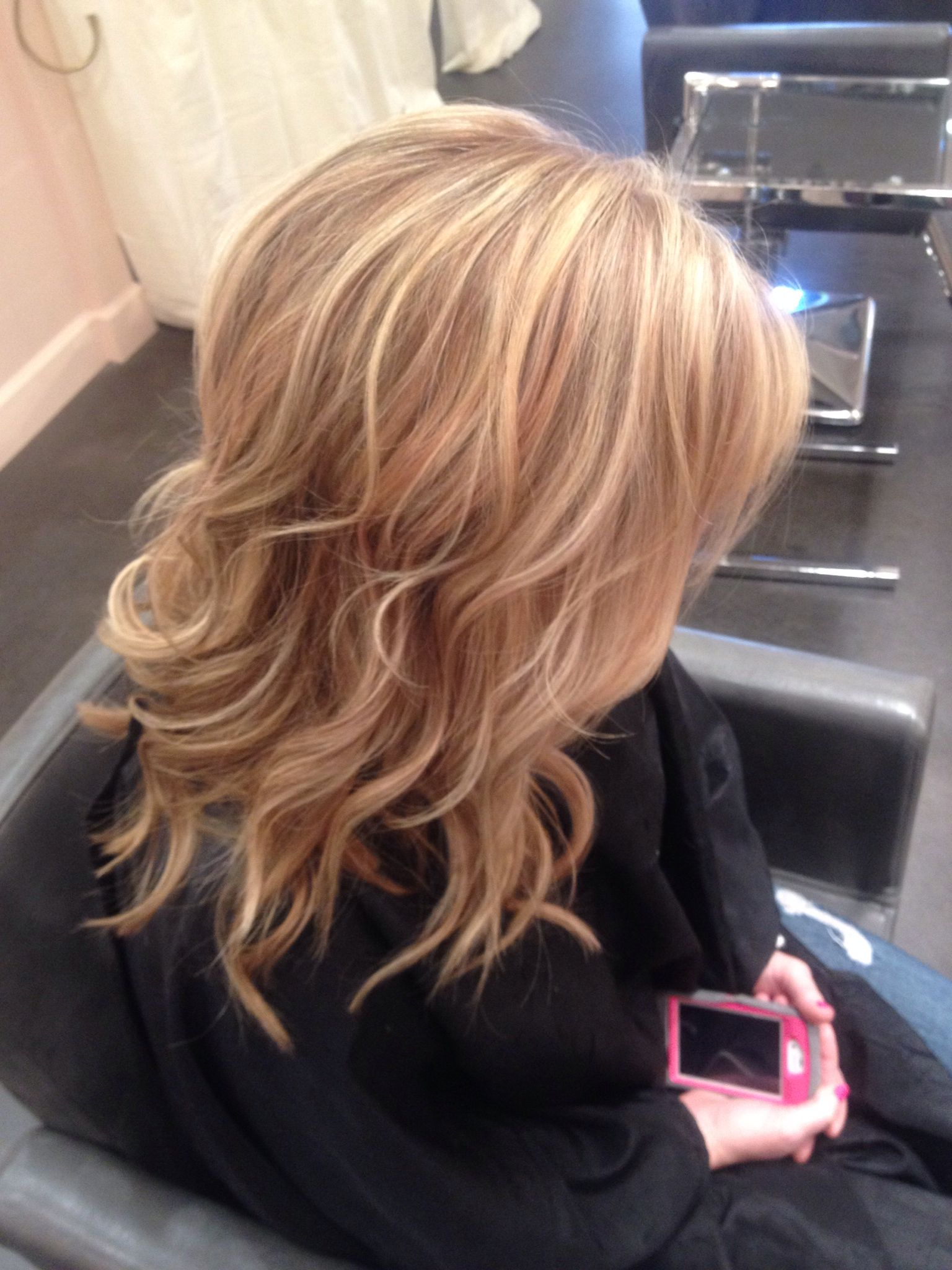 Rose Gold Lowlights To A Perfect Blonde Light Blonde Hair Blonde Hair With Highlights Blonde Highlights