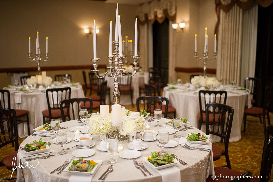 Ivory tablecloth with white napkins would like green