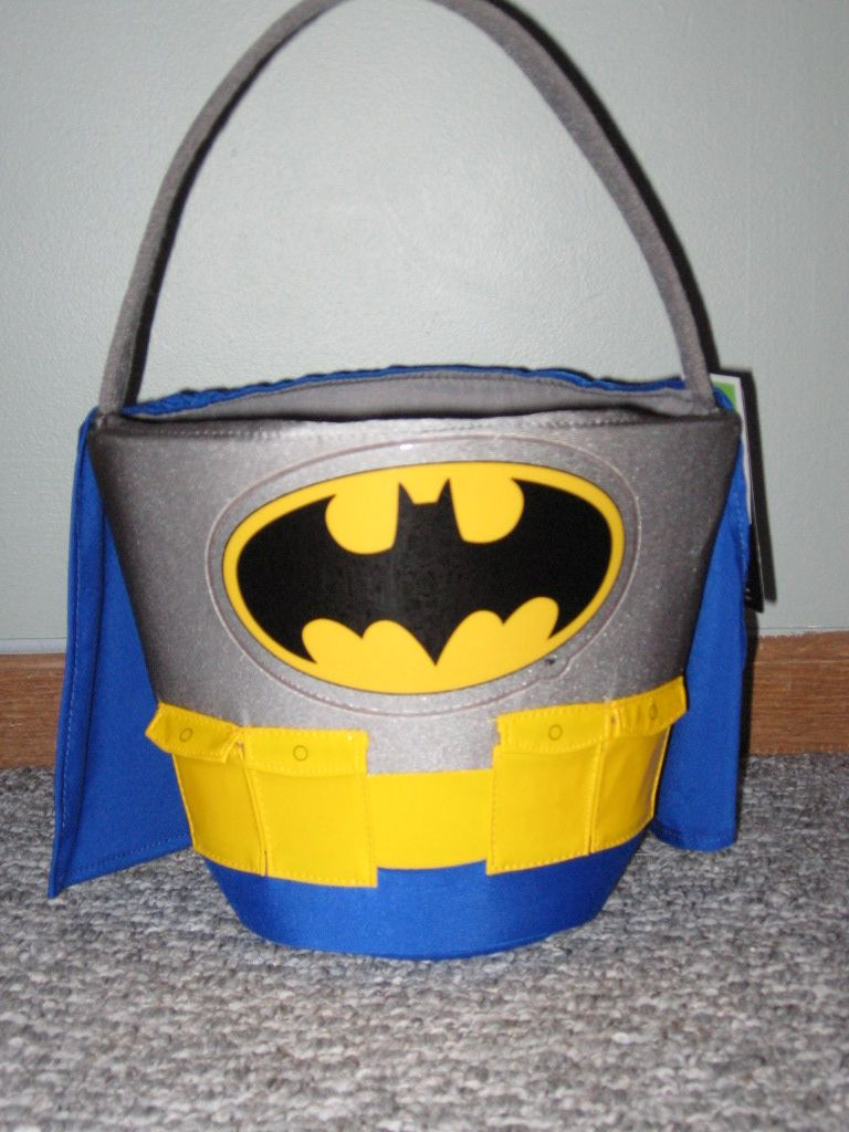 Easter baskets batman treat containers easter pinterest easter baskets batman treat containers negle Image collections