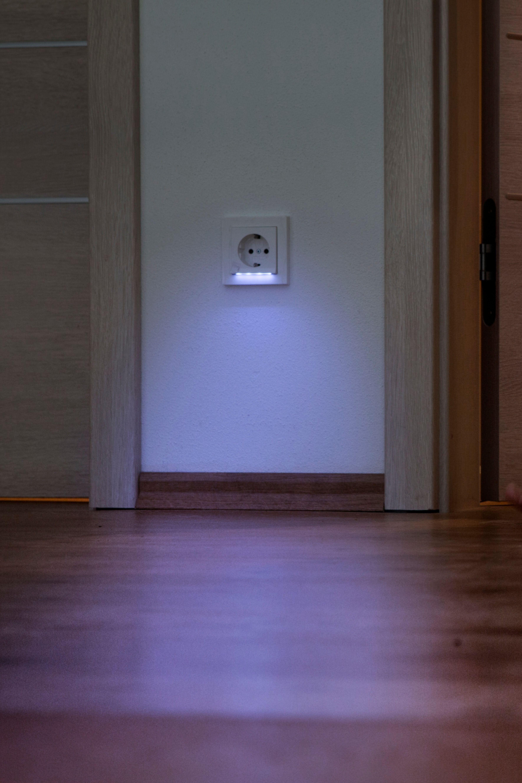 Indirektes Licht Aus Der Steckdose Indirektes Licht Treppenhaus Beleuchtung Beleuchtung