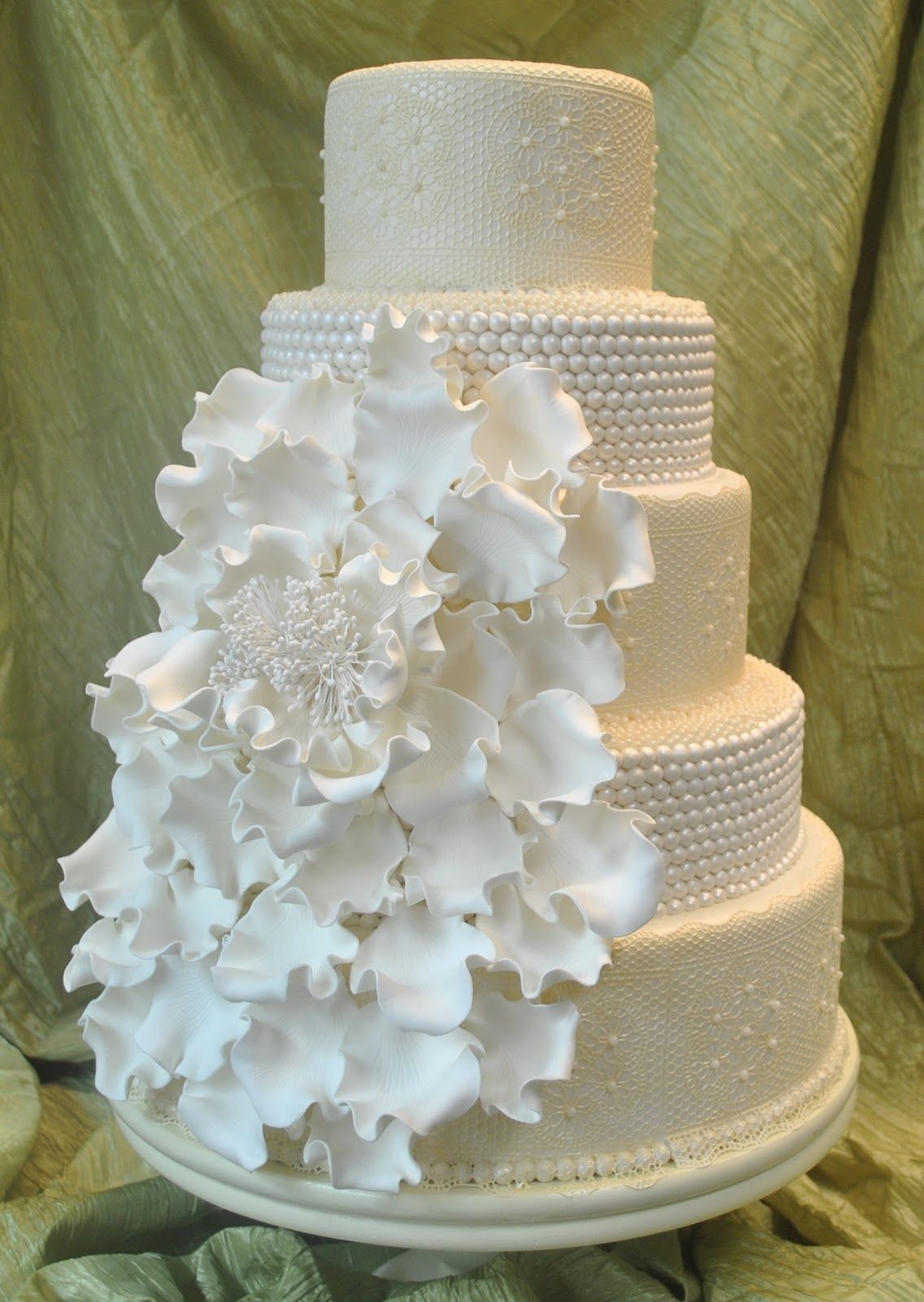 wedding cakes with roses and pearls lace pearl wedding cake search dave amp alina 26108