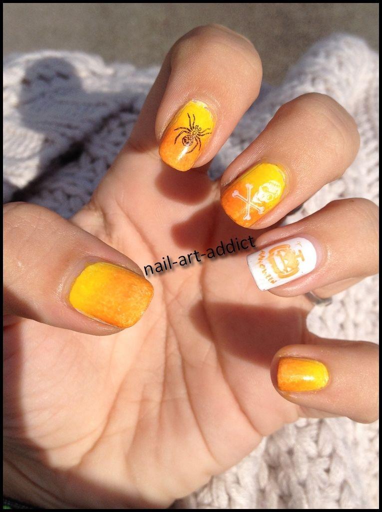 Nail Art : Dégradé & Stamping http://nail-art-addict.blogspot.com/2015/10/nail-art-degrade-stamping-halloween.html