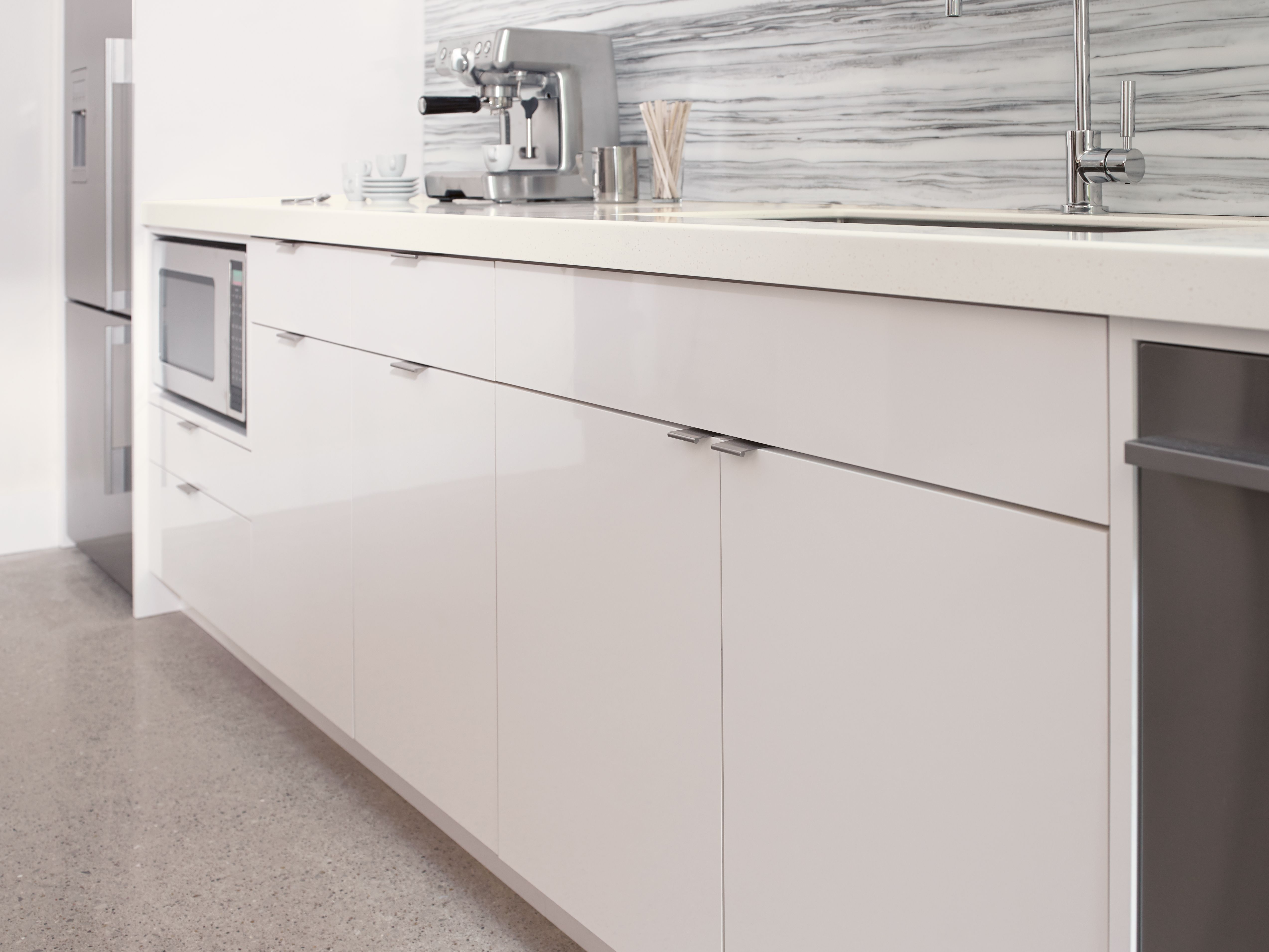 159 best images about trend white on pinterest cabinets modern kitchens and california beach houses - Color Core Laminate