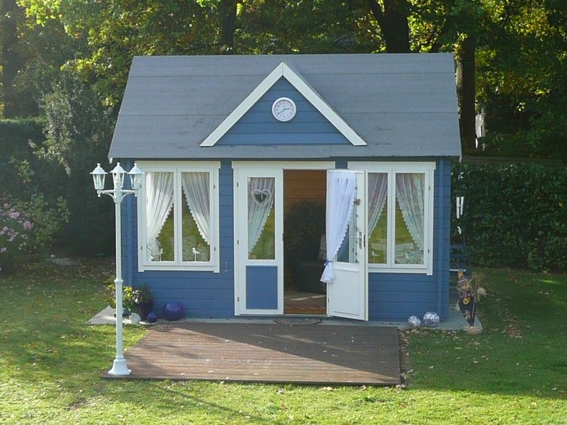 Gartenhaus einrichten ideen f r ihr clockhouse gartenhaus in blau wei gartenhaus garten - Gartenhaus shabby chic ...
