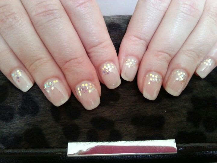 Had so much fun doing these nails. So elegant.