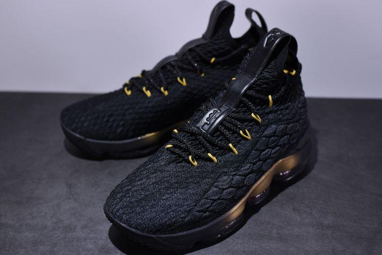 46b90bc66e0 NIKE LEBRON 15 XV BLACK GOLD BLACK 897648 005