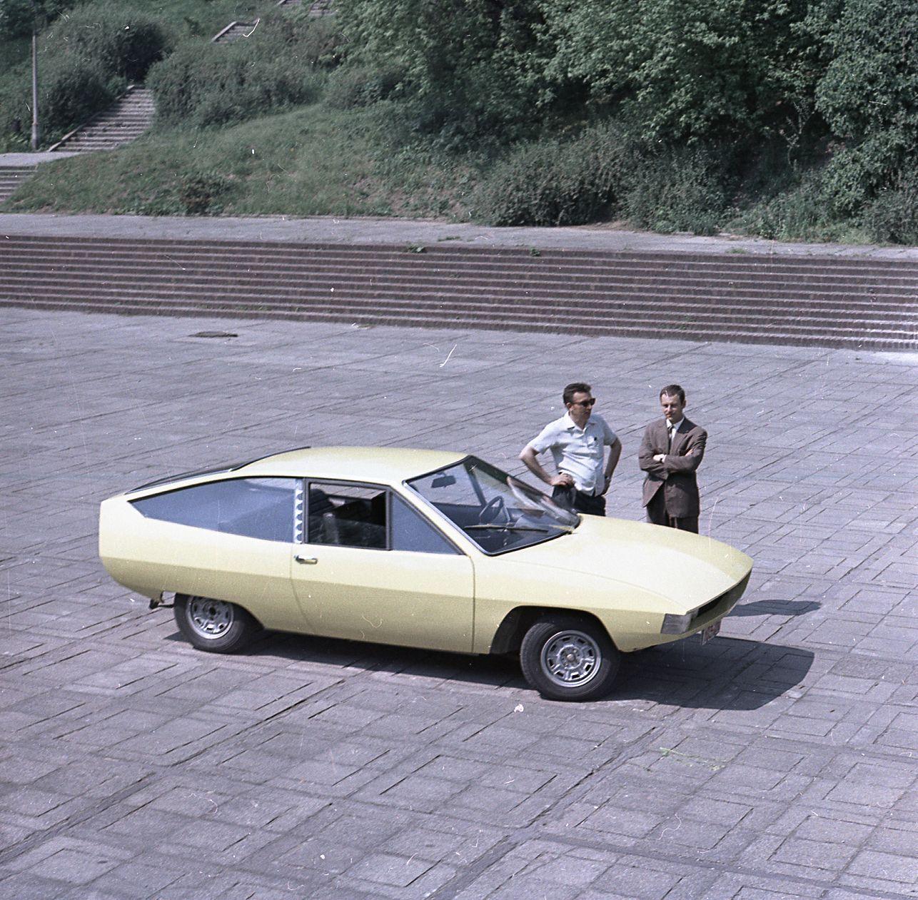 Polski Fiat 125p Coupe Prototype Mai 1971 Cree Par Le Bureau D