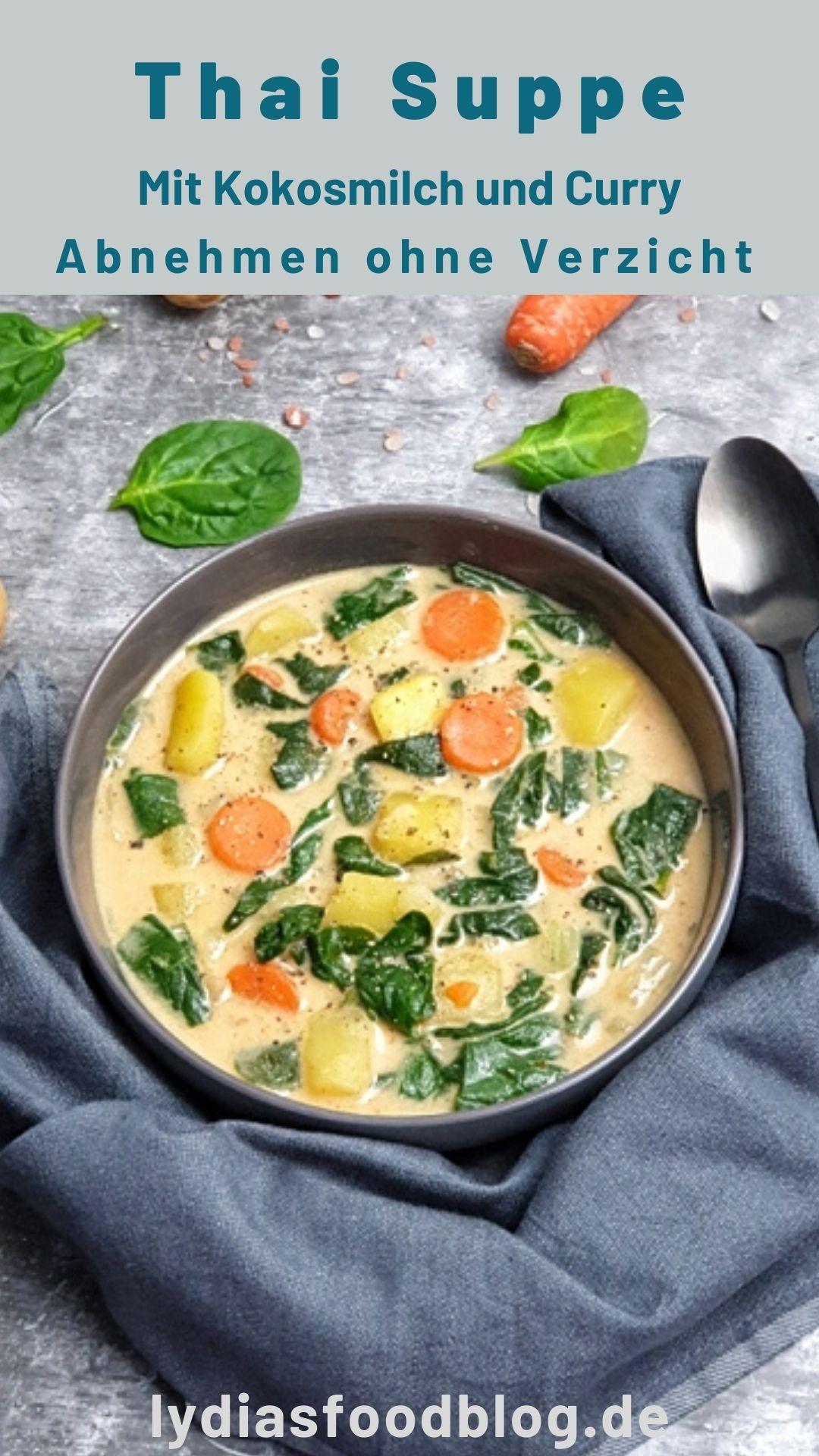Asiatische Suppe mit Kokosmilch und Spinat