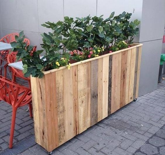 1001 tutoriels et id es pour fabriquer une jardini re en palette atelier garden pallet. Black Bedroom Furniture Sets. Home Design Ideas
