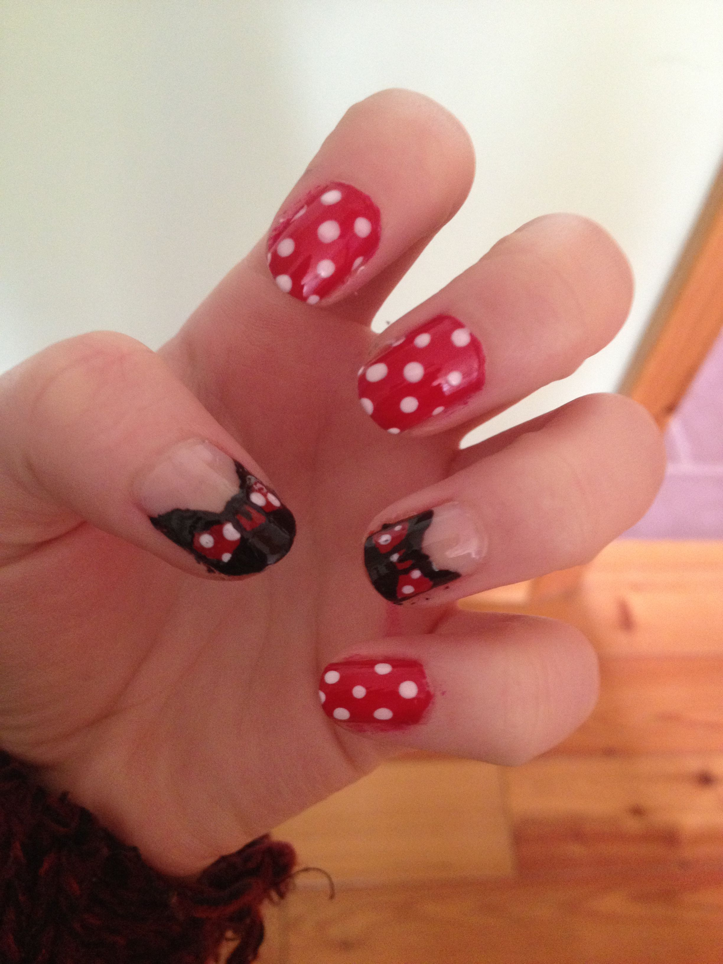Mini mouse nails by myself love those nails pinterest mice mini mouse nails by myself solutioingenieria Images