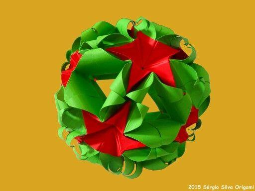 Hoje terminei este trabalho. :) Origami Sweet Spring Kusudama Criado por: Natalia Romanenko Dobrado por: Sérgio Silva #origami #kusudama #paper #art #japan #papel