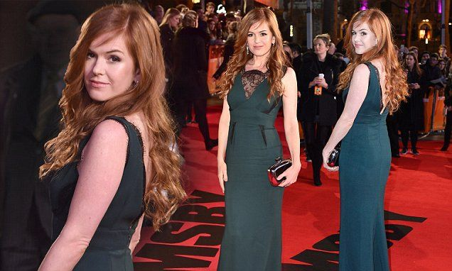Isla Fisher is gorgeous in green at Grimsby world premiere in London | Daily Mail Online