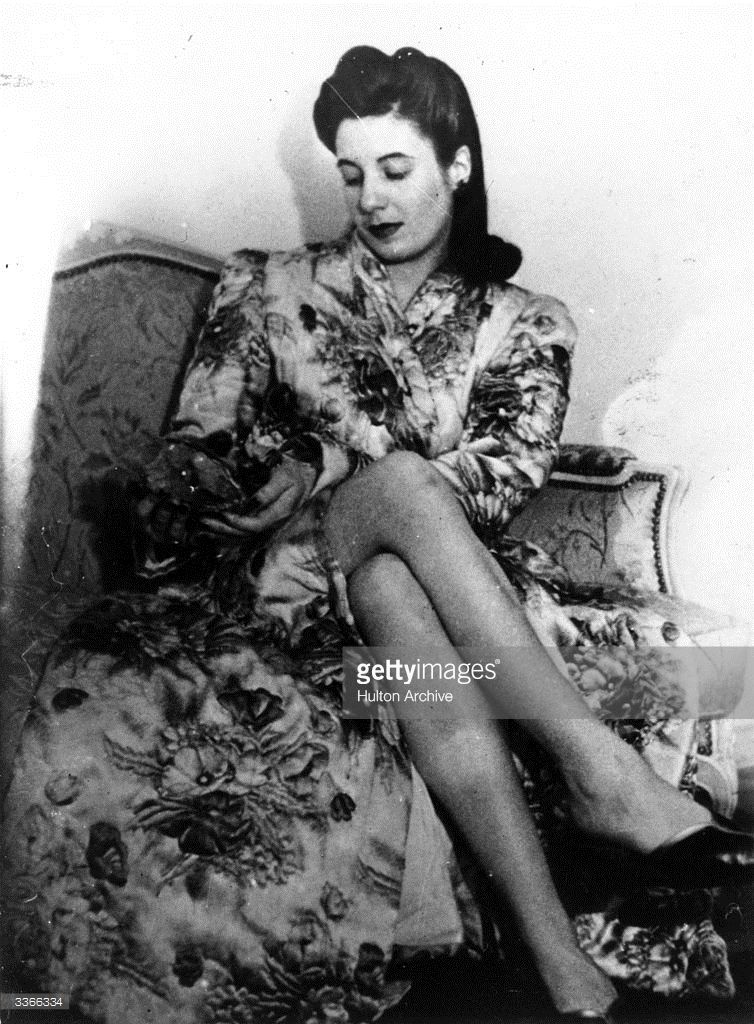 eva-peron-the-wife-of-argentinian-premier-juan-peron-picture-id3366334 (754×1024)