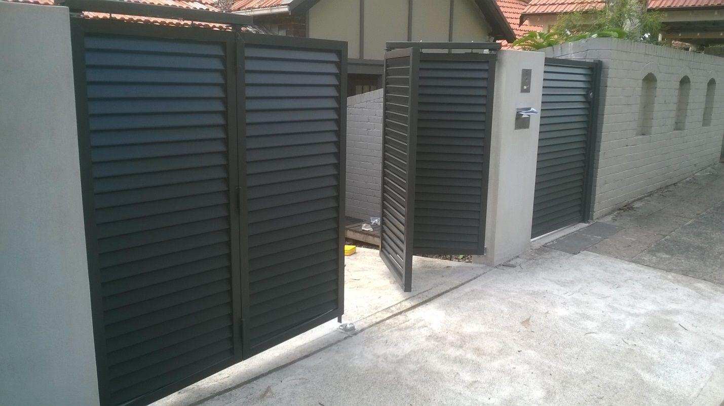 Automatic Folding Gate Ideas For The House Driveway