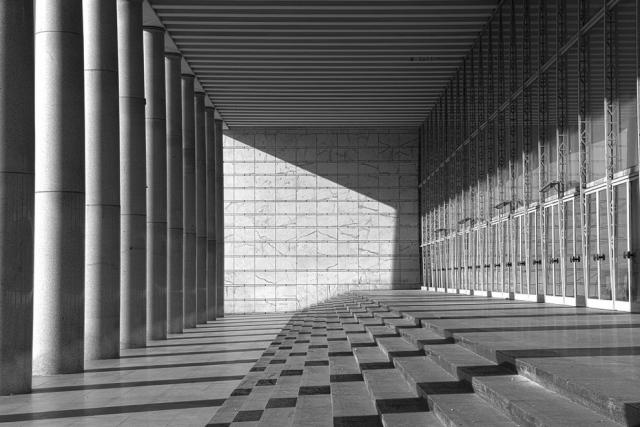 Adalberto libera palazzo dei congressi eur roma for Architettura e design roma