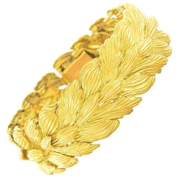Preowned Gubelin 1950s Gold Leaf Motif Bracelet ($9,800) ❤ liked on Polyvore featuring jewelry, bracelets, multiple, gold heart jewelry, vintage jewelry, 18k gold jewelry, 18k gold bangles and vintage bangle