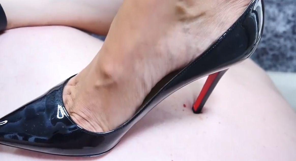 Pin di Сержик Лесной su Trampling high heels