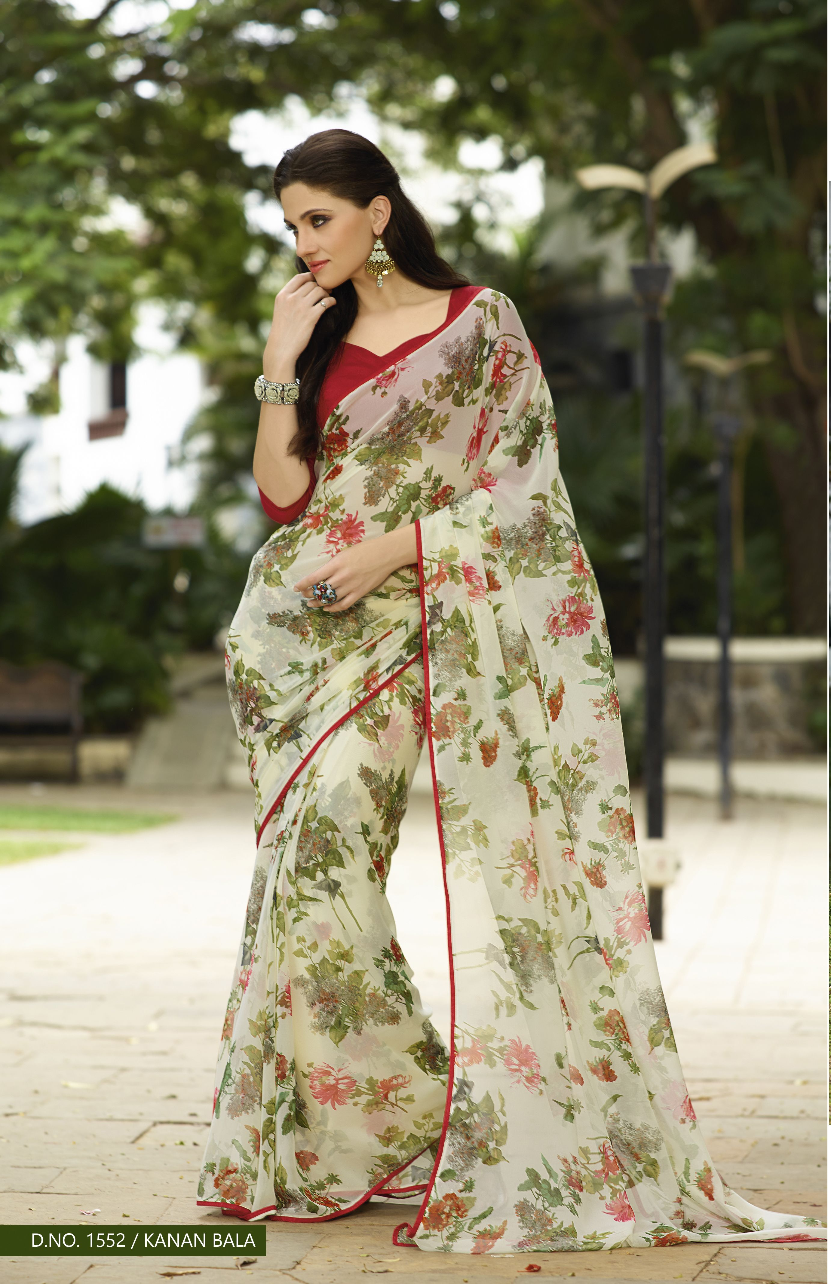 7e4b32874c908 off white floral  printed  georgette  printedsaree with border line ...