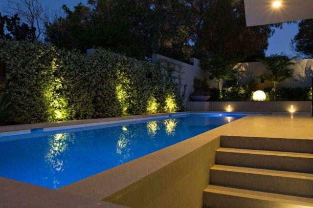 au enbeleuchtung ideen pool buchsbaumhecke kugel blumen pools ab terrasse pinterest. Black Bedroom Furniture Sets. Home Design Ideas