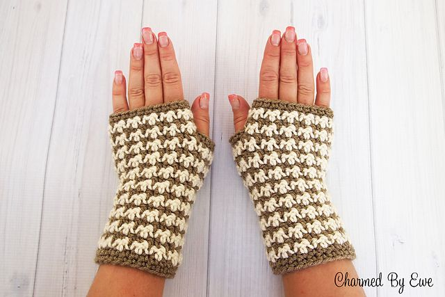 Ravelry bow wow wristers houndstooth fingerless gloves pattern by cabin fun wristers pattern by janaya chouinard dt1010fo