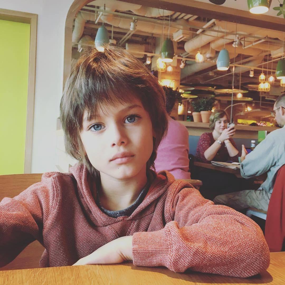 9d6f1f0b304efe Cute blonde Boy | детки | Crianças lindas, Rapazes bonitos e ...