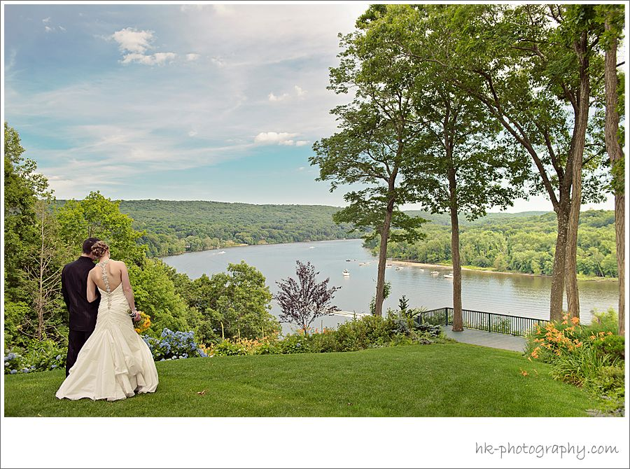 Saint Clements Castle Marina Is Ct S Premier Wedding And Banquet Venue Fronting Over One Mile Of The Connecticut Rive In Portland