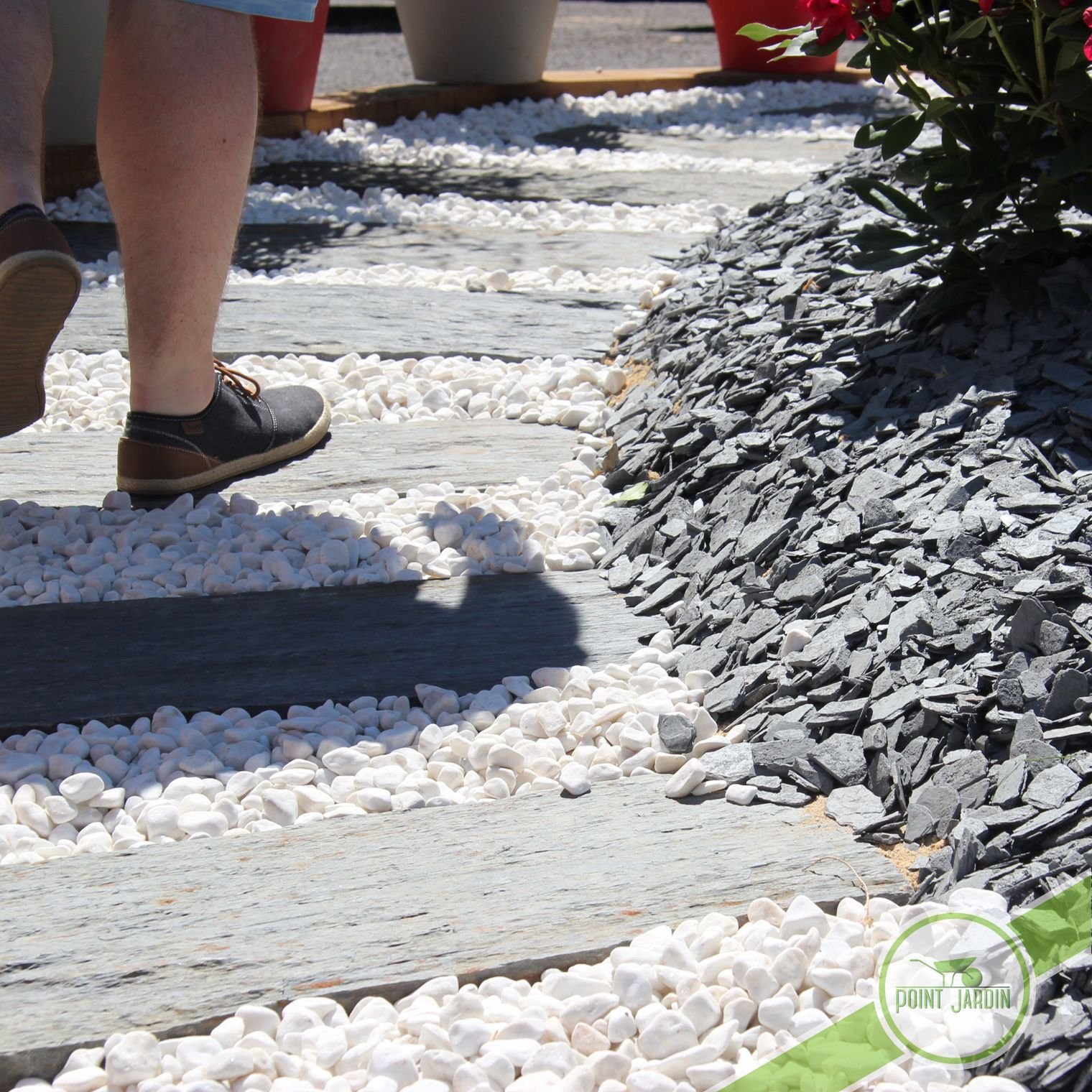 galets jardin gironde Mélange idéal de galet blanc, ardoise pilée ou paillette du0027ardoise et dalle  de