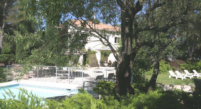 Mimet, Chalet de vacances avec 1 chambres pour 2 personnes Réservez - location vacances provence avec piscine