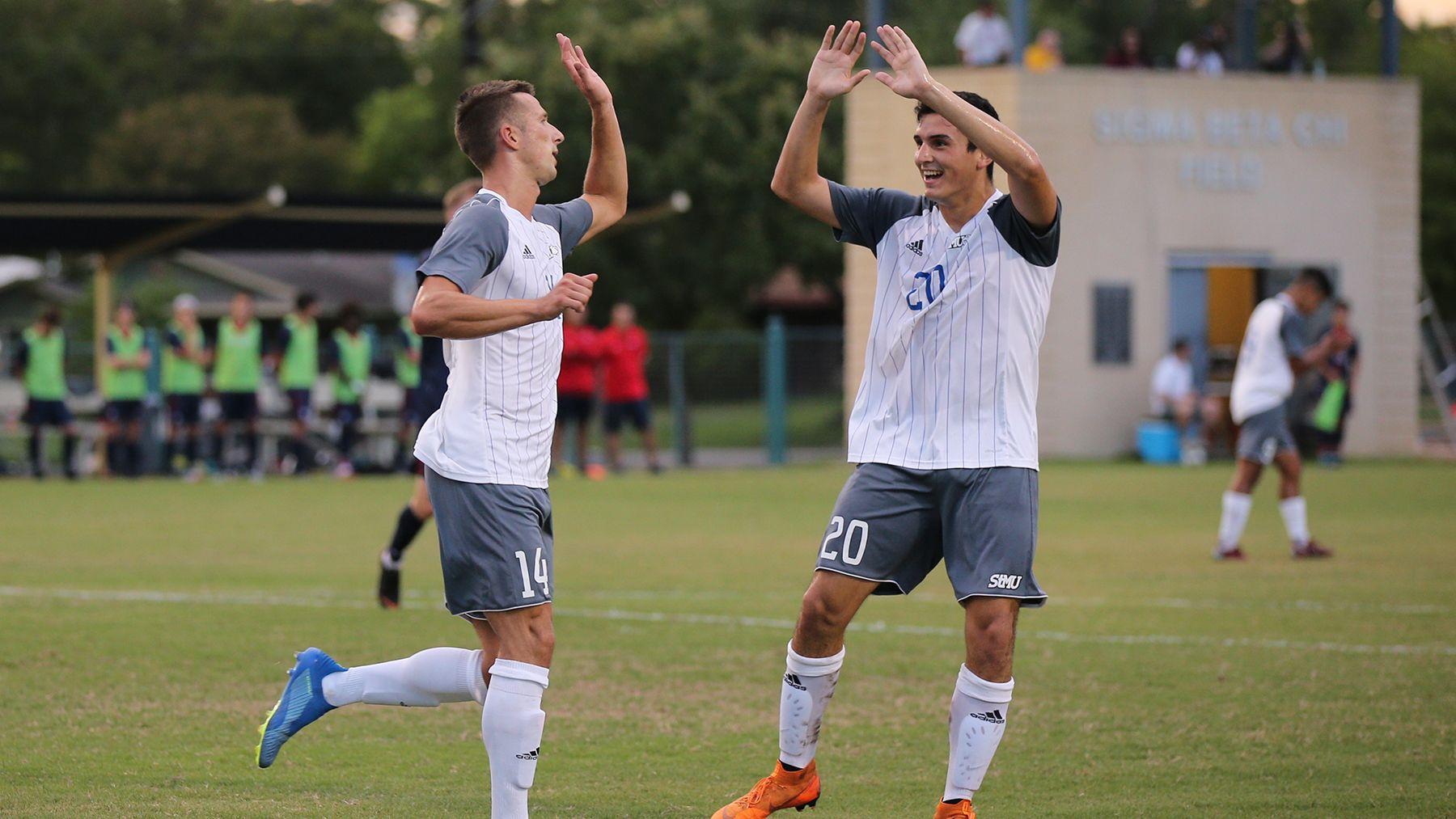 Stmu Men S Soccer Dominant In Conference Opener Mens Soccer Athlete Soccer