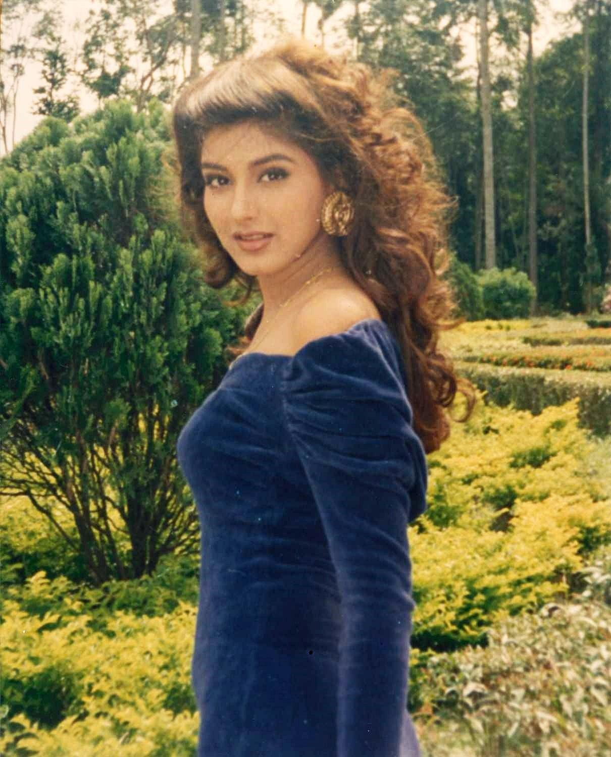 Showing Xxx Images For Sonali Bendre Movie Xxx  Www -2650