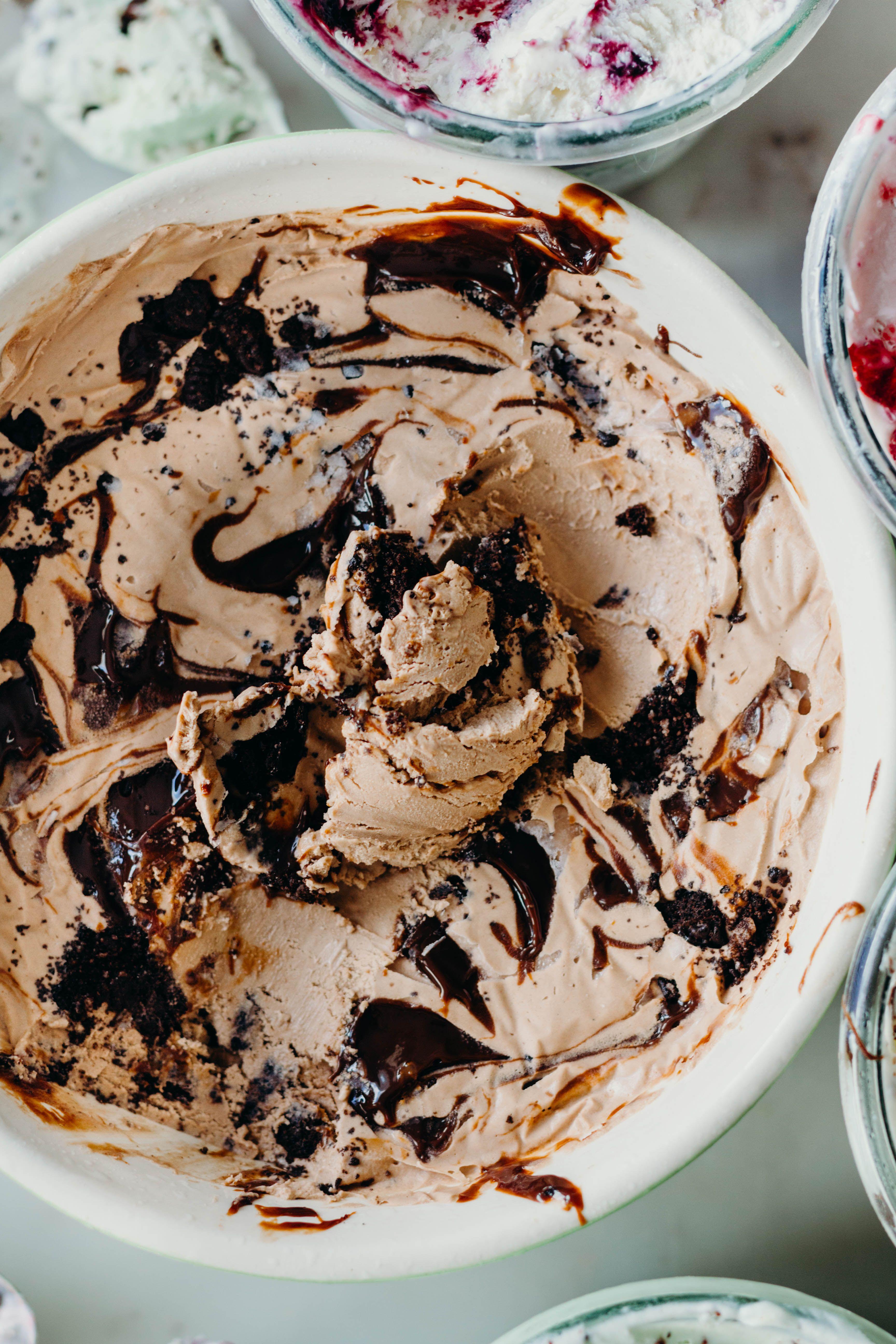 No Churn Chocolate Mocha Cookie Crumble Ice Cream The Sweet And Simple Kitchen Mocha Cookie Crumble Homemade Ice Cream Mocha Cookies